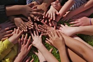 1330423_childrens_hands_1