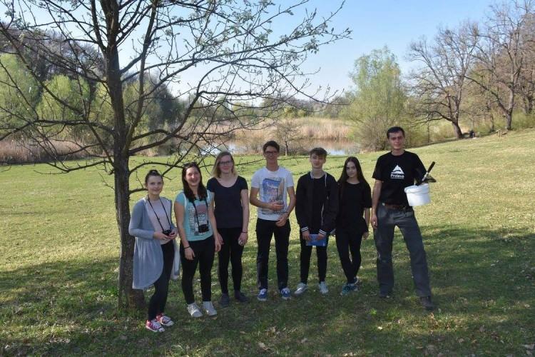 Gimnazijalci iz Vipave na Sovskome jezeru